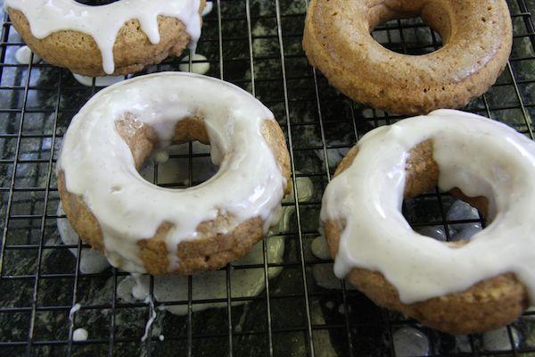 Vegan Vanilla Chai Baked Donuts I 24 Carrot Life