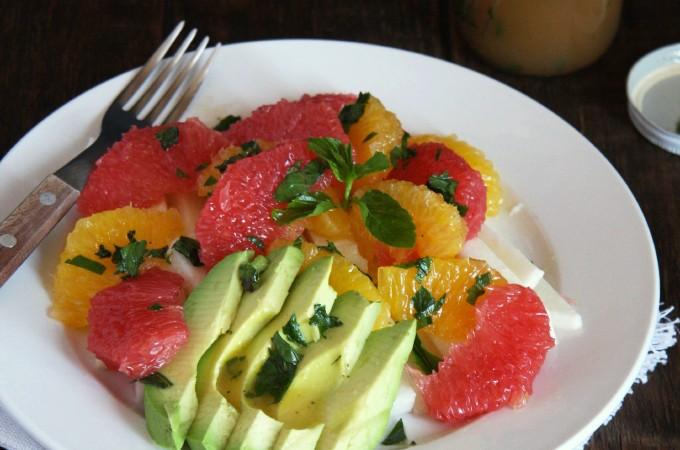 Spring Citrus Salad with Honey Mint Vinaigrette // 24 Carrot Life
